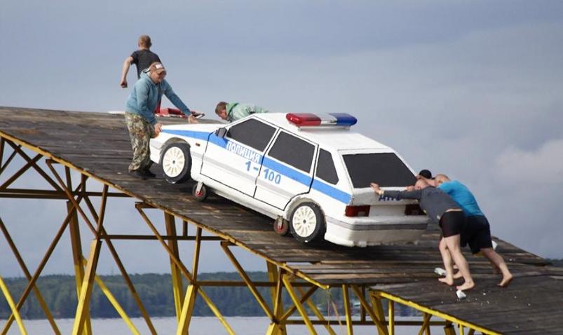 Машина ДПС на фестивале «Чёрные ножи» в городе Заречном