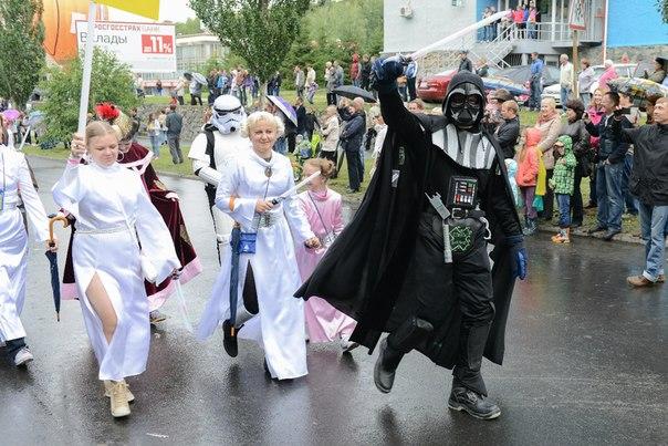 Дарт Вейдер на карнавале в городе Заречном Свердловской области